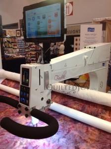 APQS Freddie Longarm Machine