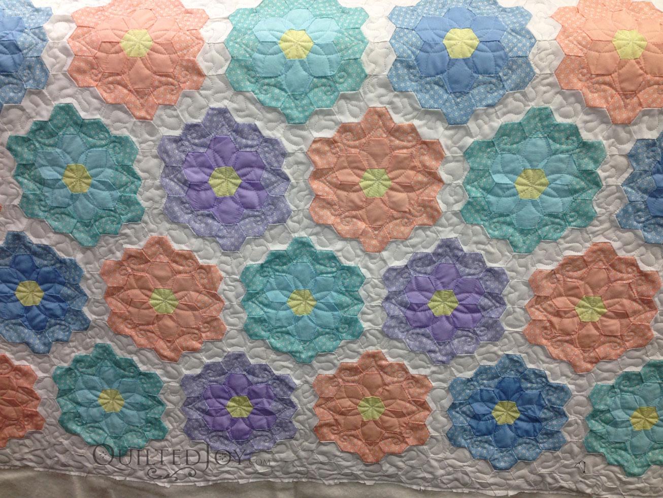 Grandmother 39 s flower garden quilt makeover - Grandmother s flower garden quilt ...