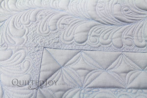 MicroQuilter Thread quilted on wholecloth