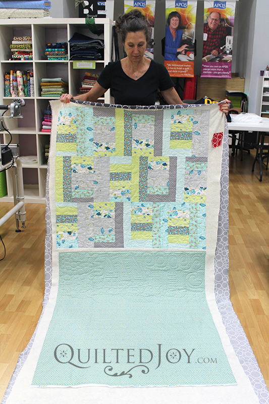 freemotion quilting on a longarm