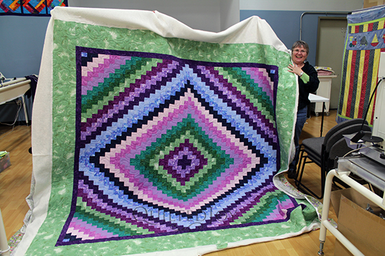 Donna's Around the World Quilt, quilted at Quilted Joy