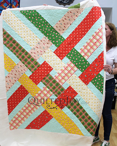 Of all the different ways to quilt, free motion quilting is fun for our longarm quilting machine renters. You decide what the design will be and make your vision come to life.