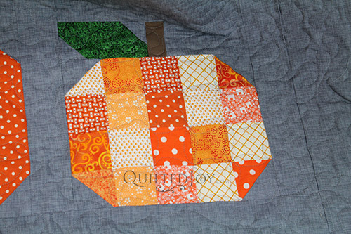 Pumpkins Quilt with Terry's Twist Quilting Design