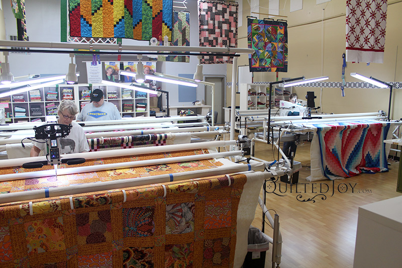 Longarm Quilting Machine Rental Program at the Quilted Joy Longarm Quilting Machine Showroom