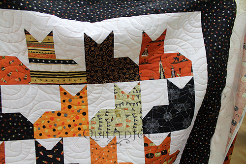 Halloween Pins and Paws Cat Quilt