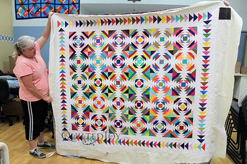 Valerie's Rainbow Pineapple Block Quilt after quilting it at Quilted Joy's Longarm Quilting Machine Rental Program