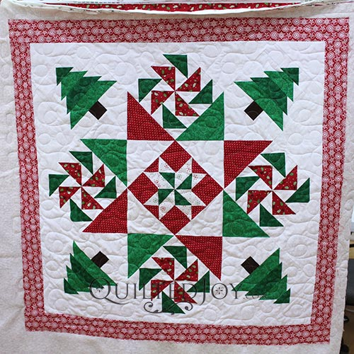 Fort Worth Fabric Studio's 2017 Christmas Mystery Quilt, pieced by Colleen and quilted at Quilted Joy