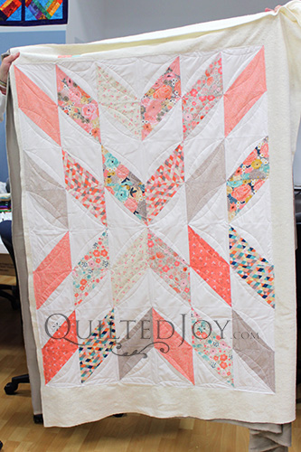 Valerie's Parallelogram Quilt after a Longarm Quilting Machine Rental