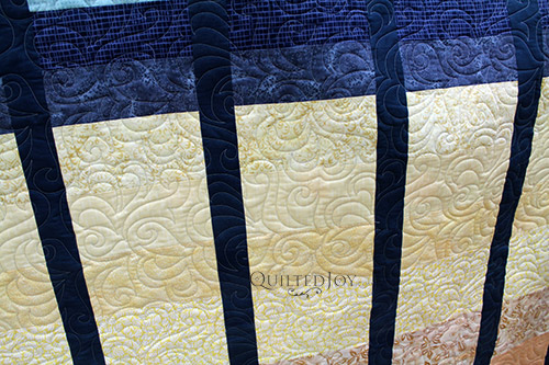 Amanda's Color Gradation Quilt after longarm quilting at Quilted Joy