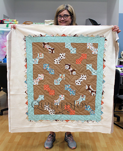 Linda's Dog Bones Quilt after Longarm quilting at Quilted Joy